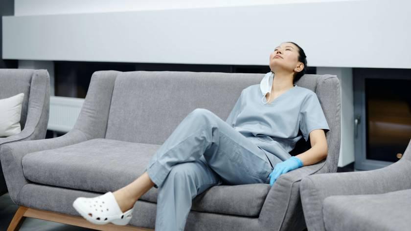 Nursing Burnout - Eva Storey